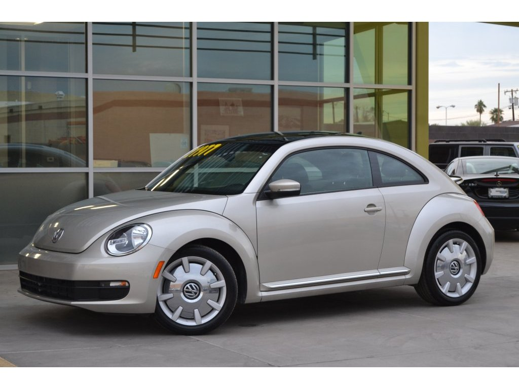 2016 Volkswagen Beetle Coupe 1.8T SEL (617638) Main Image