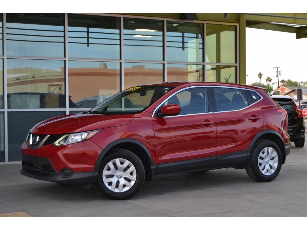 2017 Nissan Rogue Sport S (002992) Main Image