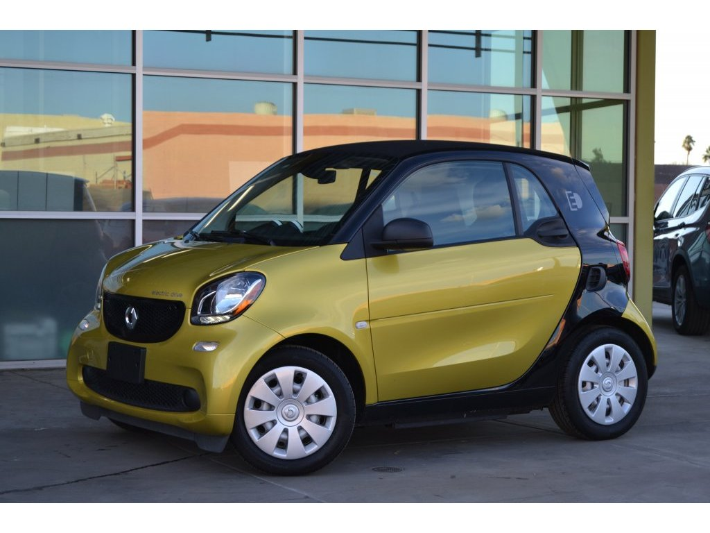2017 smart fortwo electric drive pure (214267) Main Image