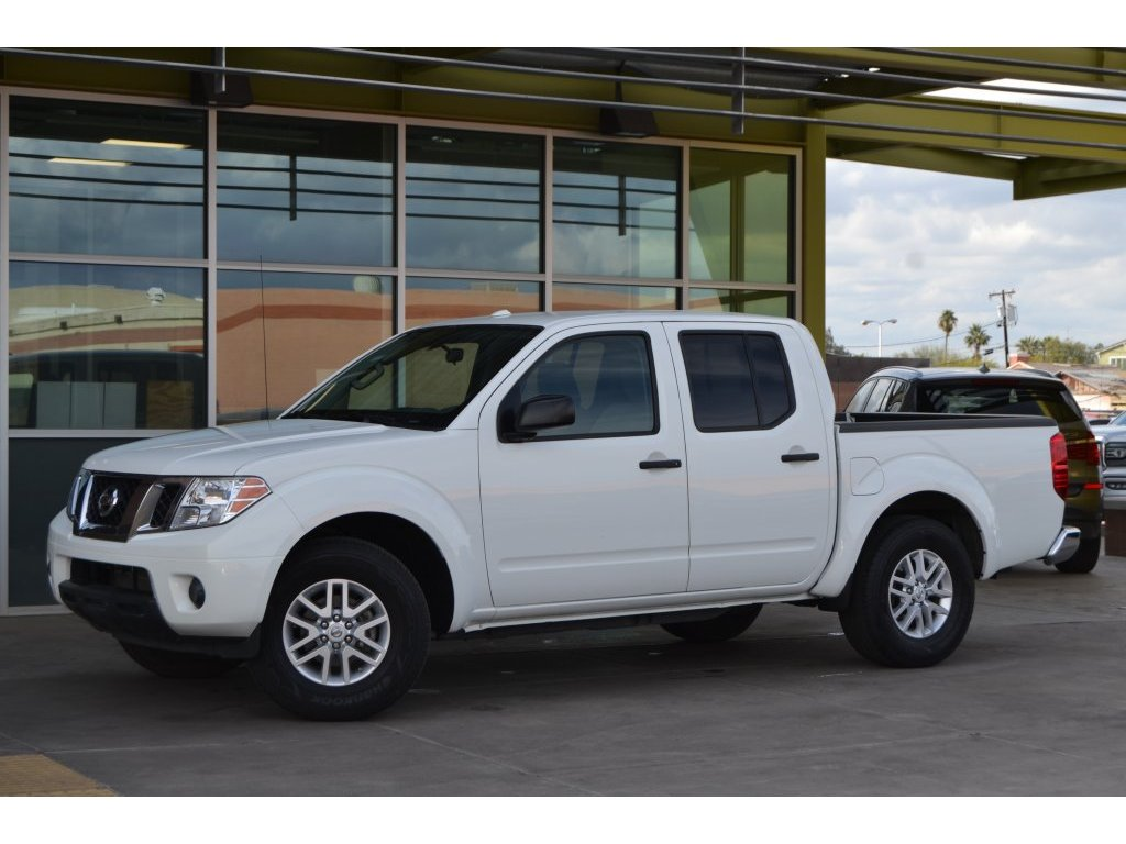 2016 Nissan Frontier SV (758235) Main Image