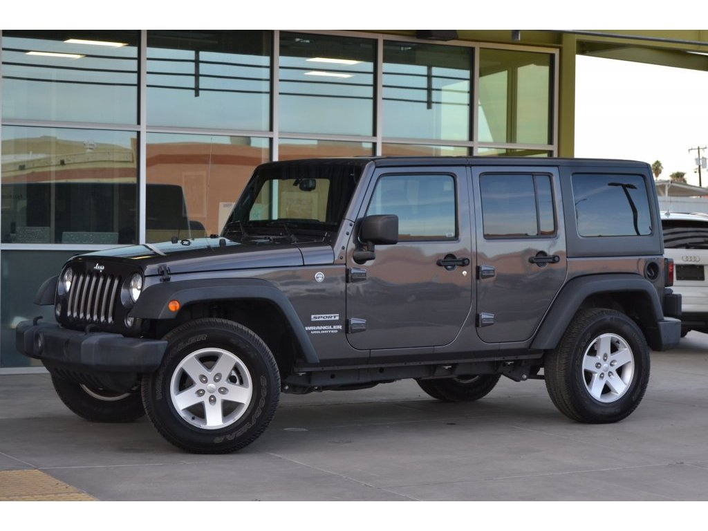 2017 Jeep Wrangler Unlimited Sport (678335) Main Image