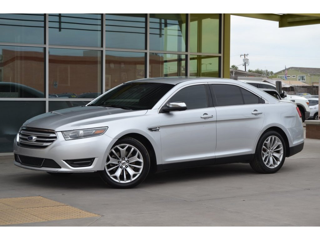 2015 Ford Taurus Limited (141410) Main Image