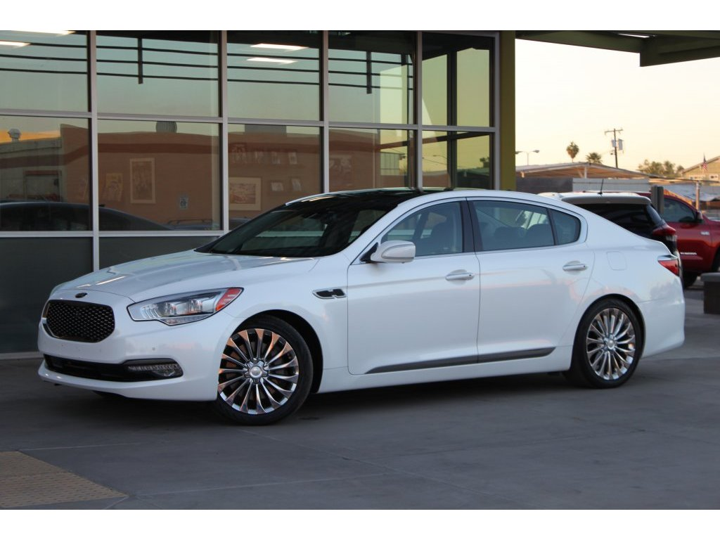 2018 Kia K900 Luxury (037538) Main Image
