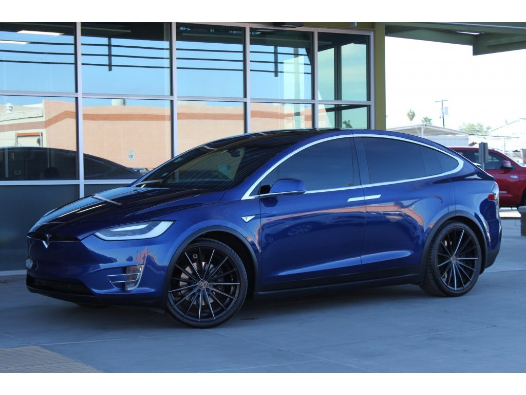 2016 Tesla Model X 90D (005041) Main Image